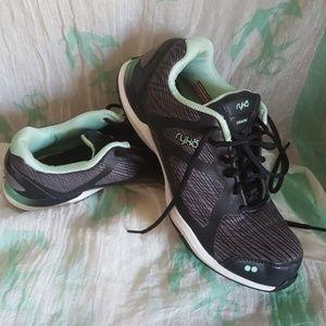 Ryka Grafik running shoes 7